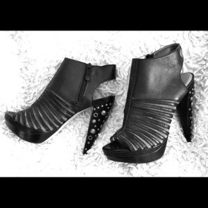 bebe Shoes - bebe embellished heals
